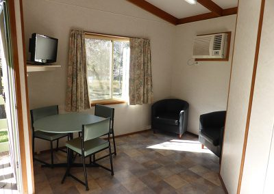 3-Interior-Delux-2-bedroom-cabin